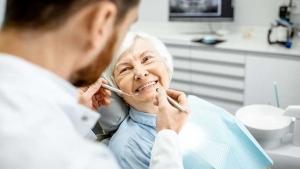 بهداشت دهان و دندان برای سالخوردگان